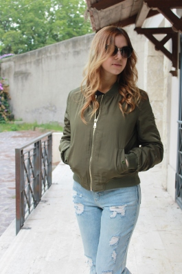 How to style a military green bomber jacket with Loavies