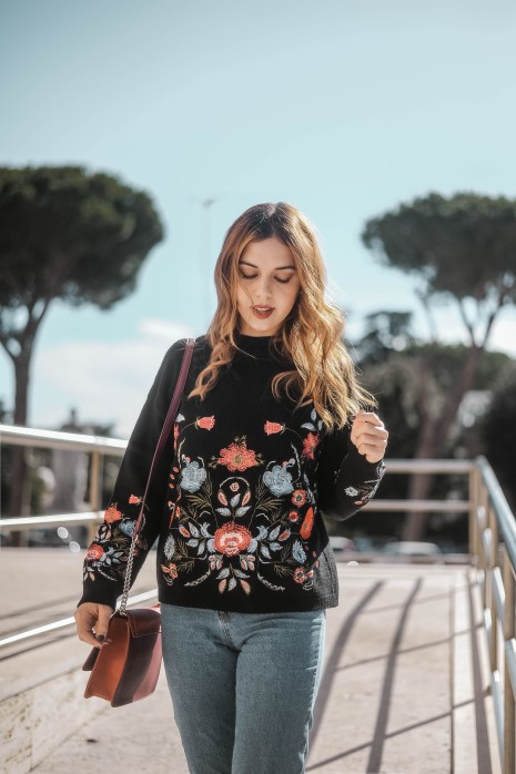Flower sweater with Kiabi